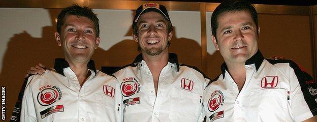 Gil De Ferran (right), Nick Fry (left) and Jenson Button (centre)