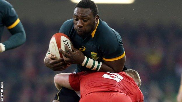 Tendai Mtawarira in action for South Africa against Wales