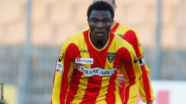 Edward Ofere playing for Lecce