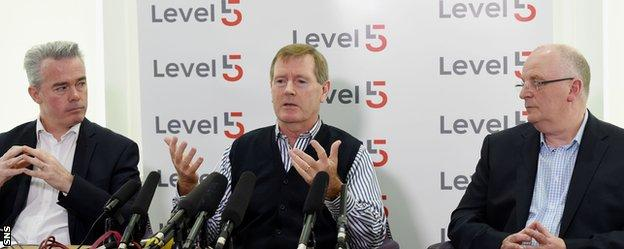 Dave King (centre), Paul Murray (left) and John Gilligan (right)