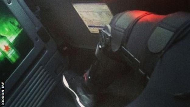 Jordon Ibe's knee brace