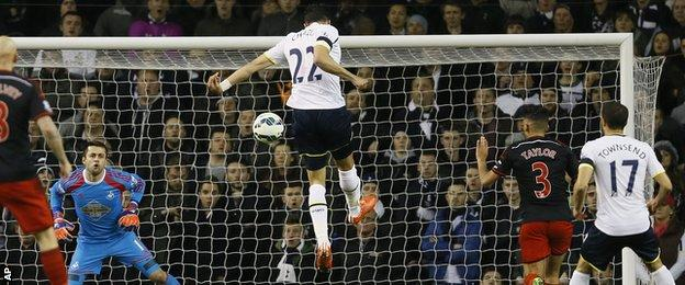Nacer Chadli scores for Tottenham