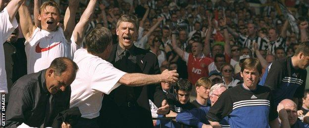 Arsene Wenger celebrates at the 1998 FA Cup final
