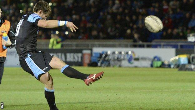 Glasgow Warriors' Peter Horne converts a conversion