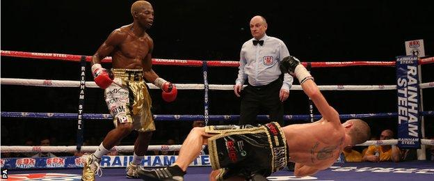 Paul Butler knocked down by Zolani Tete