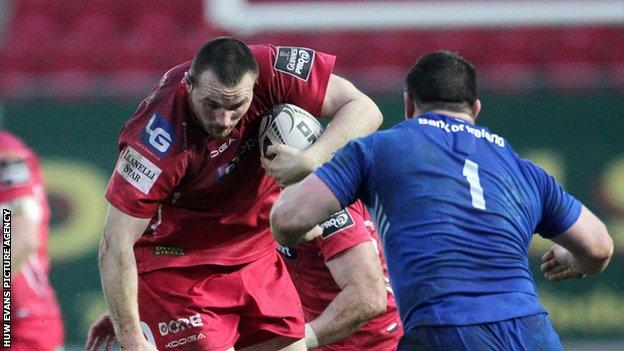 Ken Owens in action for Scarlets against Leinster