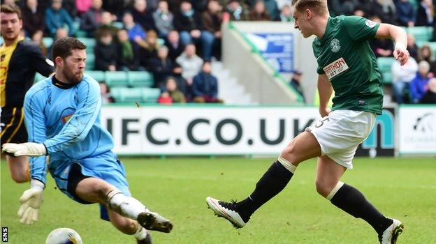 Hibs' Jason Cummings opens the scoring