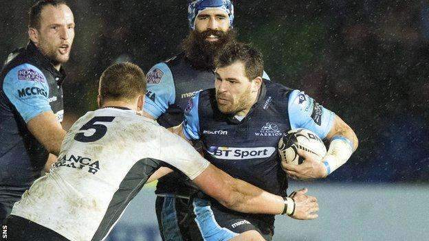 Sean Lamont in action against Zebre
