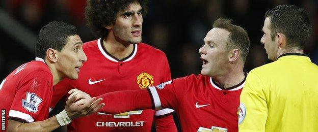 Angel Di Maria is sent off by Michael Oliver