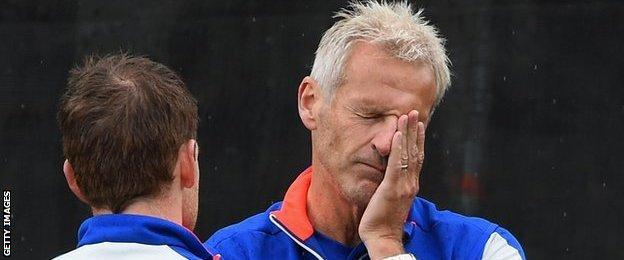 Peter Moores (right) with England ODI captain Eoin Morgan