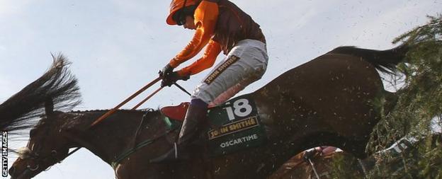 Sam Waley-Cohen riding Oscar Time