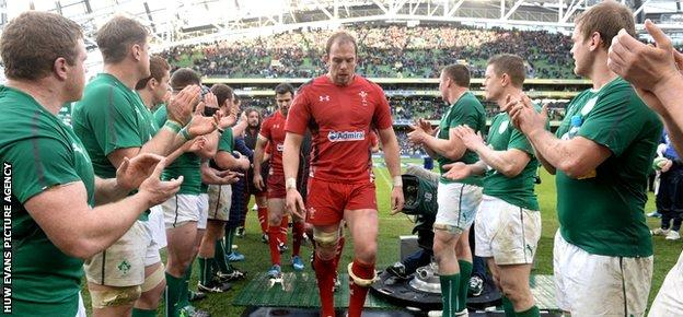 Ireland applaud Alun Wyn Jones and the Wales team off the pitch