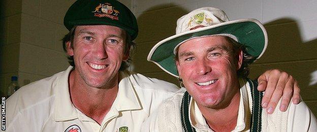 Glenn McGrath and Shane Warne celebrate winning the 2006-07 Ashes series 5-0 for Australia