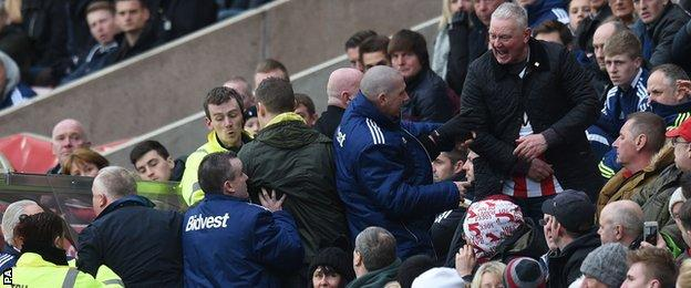 Angry Sunderland fans