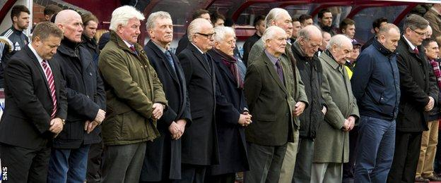 Former Hearts players pause to remember the late Dave Mackay, arguably the club's greatest player
