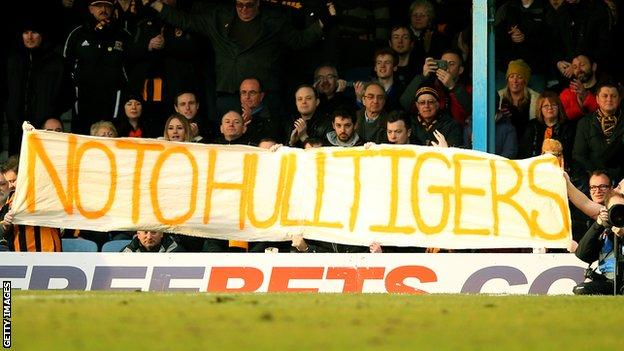 Hull City supporters opposed to the Hull Tigers name change