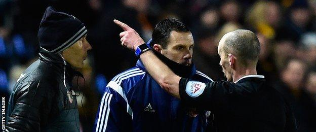 Gus Poyet is sent to the stands against Hull