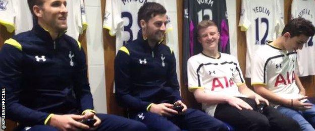 Tottenham stars Harry Kane and Ryan Mason win their computer duel