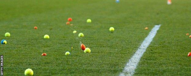 Blackpool fans protest with tennis balls