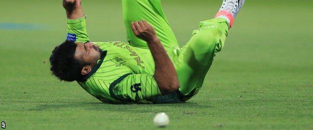 Sohail Khan drops a catch
