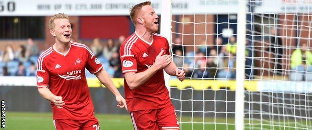 Adam Rooney knocked in his 15th league goal of the season