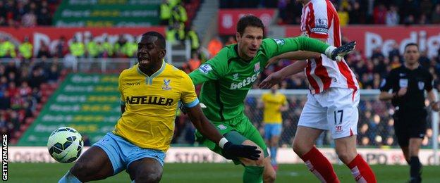 Yannick Bolasie in action against Stoke