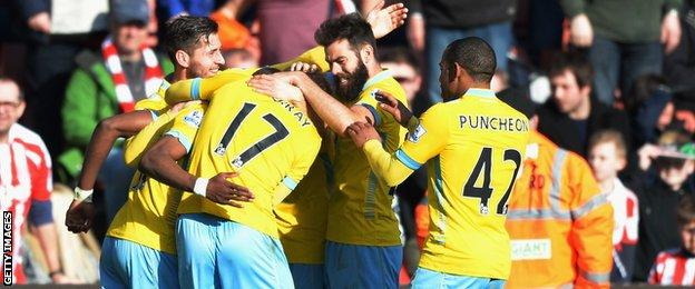 Palace celebrate Wilfried Zaha's goal
