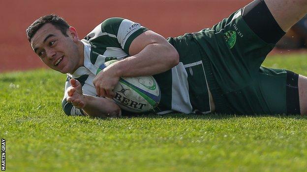 Matt Hema scores a try for Guernsey