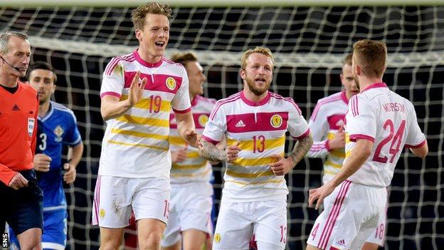 Christophe Berra's late goal gave Scotland a 1-0 win over Northern Ireland