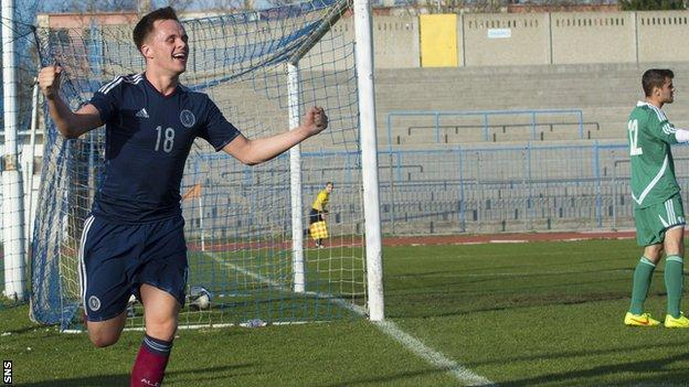 Scotland U21's Lawrence Shankland's late double gave Danny Lennon's men victory over Hungary