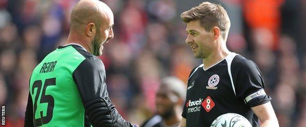 Pepe Reina and Steven Gerrard