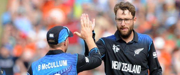 Brendon McCullum (left) and Daniel Vettori (right)