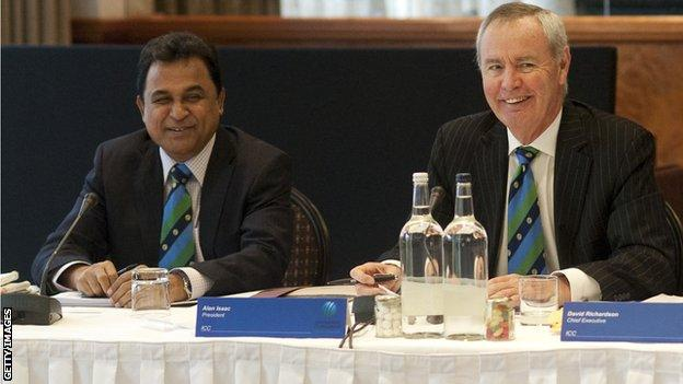 Mustafa Kamal and David Richardson of the ICC