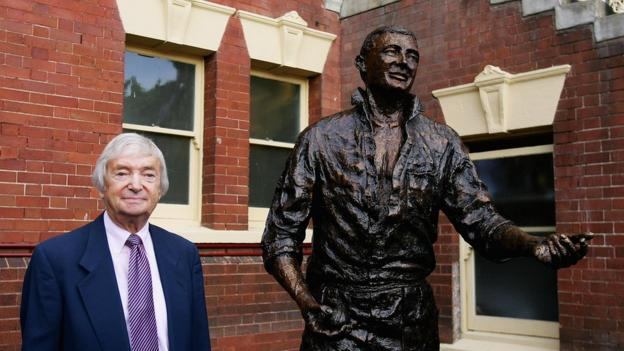 Richie Benaud and his statue at the Sydney Cricket Ground