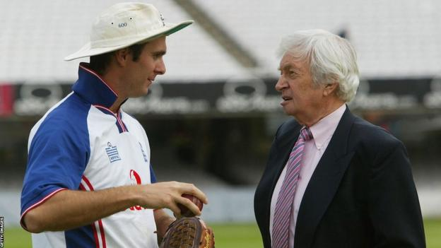 Richie Benaud and 2005 Ashes England captain Michael Vaughan
