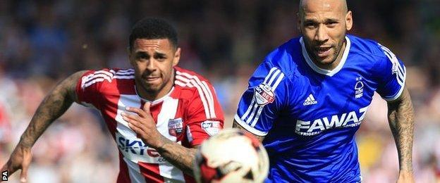 Brentford's Andre Gray (left) and Nottingham Forest's Kevin Wilson