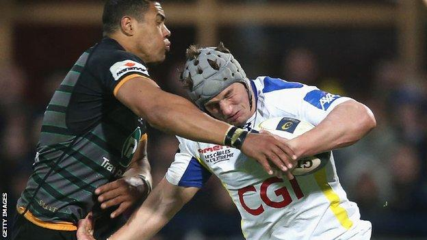 Jonathan Davies in action for Clermont Auvergne against Northampton Saints