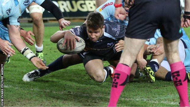Rhys Webb scores for Ospreys
