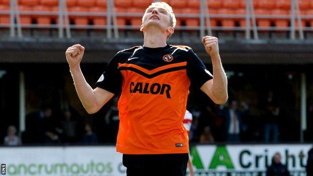 Chris Esrkine scored against the run of play to give Dundee United three points