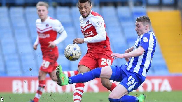 Sheffield Wednesday's Caolan Lavery and Charlton Athletic's Jordan Cousins