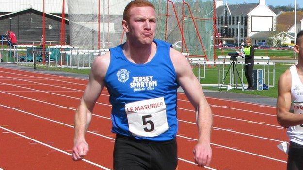 Will Golder sprinting