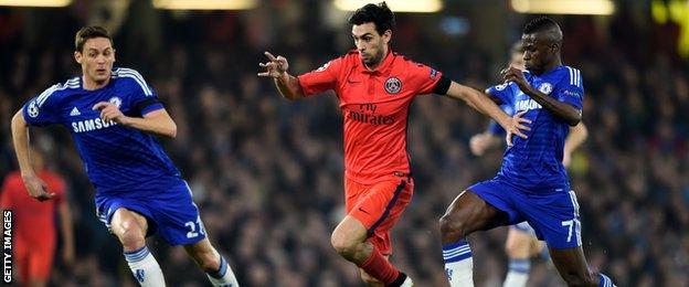 Javier Pastore runs clear of Chelsea defenders