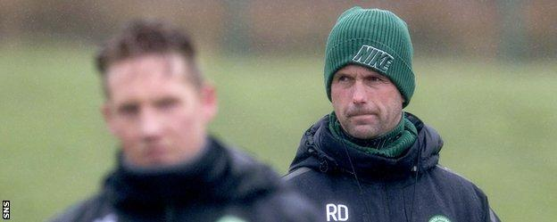 Ronny Deila (right) at Celtic training