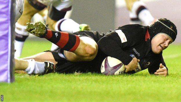 WP Nel crashes over for a try against Bordeaux-Begles