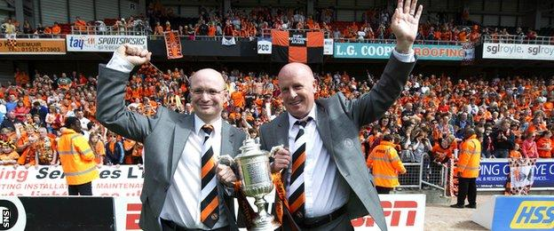 Peter Houston (right) won the Scottish Cup with Dundee United after taking over from Craig Levein