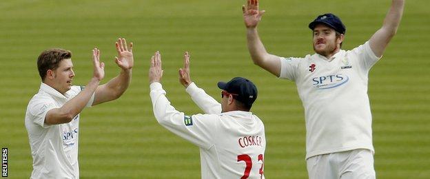 Craig Meschede celebrates Kevin Pietersen's wicket