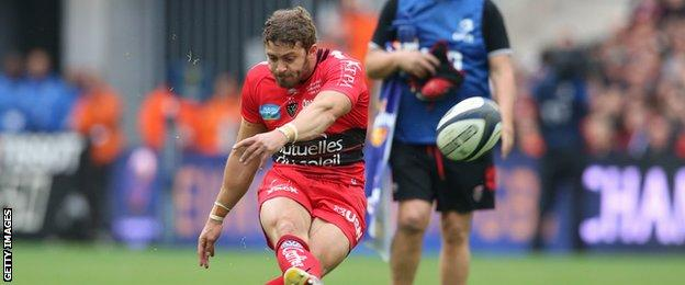 Wales full-back Leigh Halfpenny lands a penalty for Toulon