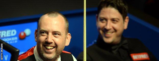 Mark Williams (L) beat Matthew Stevens (R) 18-16 in the 2000 World Championship final