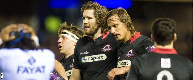 Ben Toolis and Anton Bresler pack down for Edinburgh