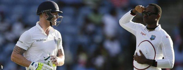 Marlon Samuels salutes Ben Stokes off the field